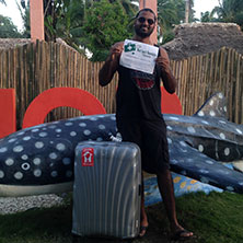 Avi D'Souza (BBA '07) is saving lives with old suitcases - here's how you can help