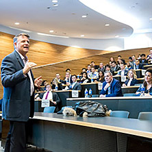 Celebrity author and TV star David Chilton (BA Econ '95) gives advice to first-year students